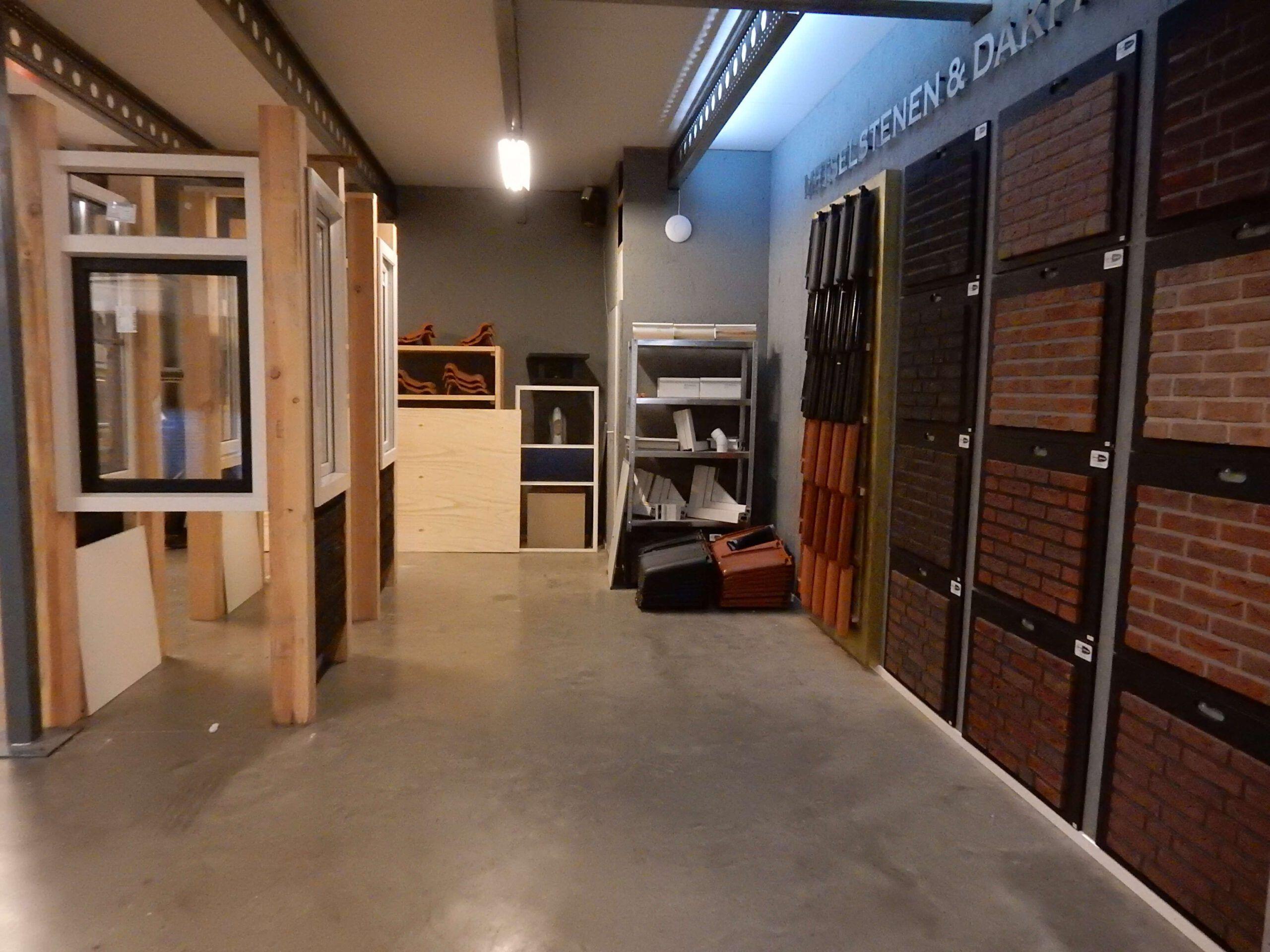 nieuwbouw showroom opstelling bij Rowecobouw in Breda